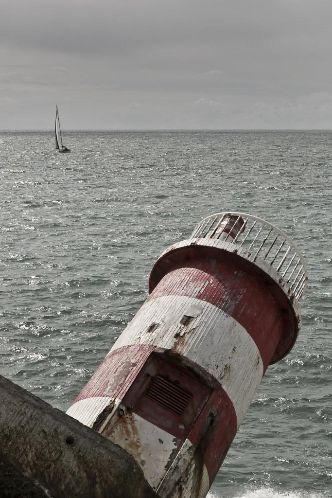 Fallen Lighthouse - Portugal | More on Blog / Twitter | Flickr