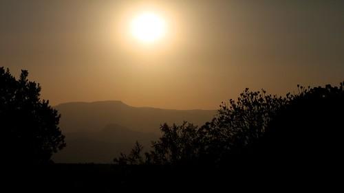 africa sunset sunlight mountains sol southafrica atardecer afrika mpumalanga montañas drakensberg drakensberge suidafrika sudáfrica dragonmountains drakensbergrange mygearandme mygearandmepremium mygearandmebronze drakensberescarpment