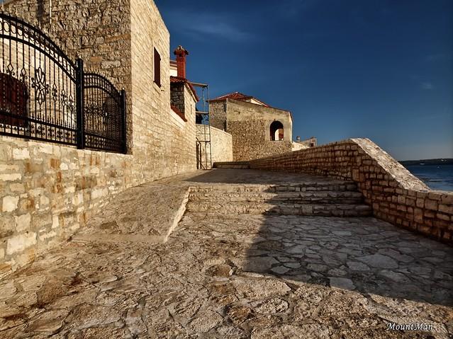 Novigrad - gradske zidine