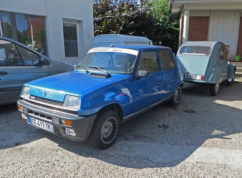 Renault 5 Alpine Turbo + 2CV | by Spottedlaurel