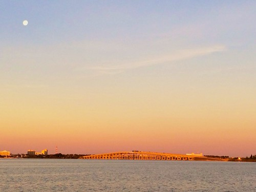 moon sunrise dawn florida fullmoon causeway indianriver indiatlantic inlandwaterway