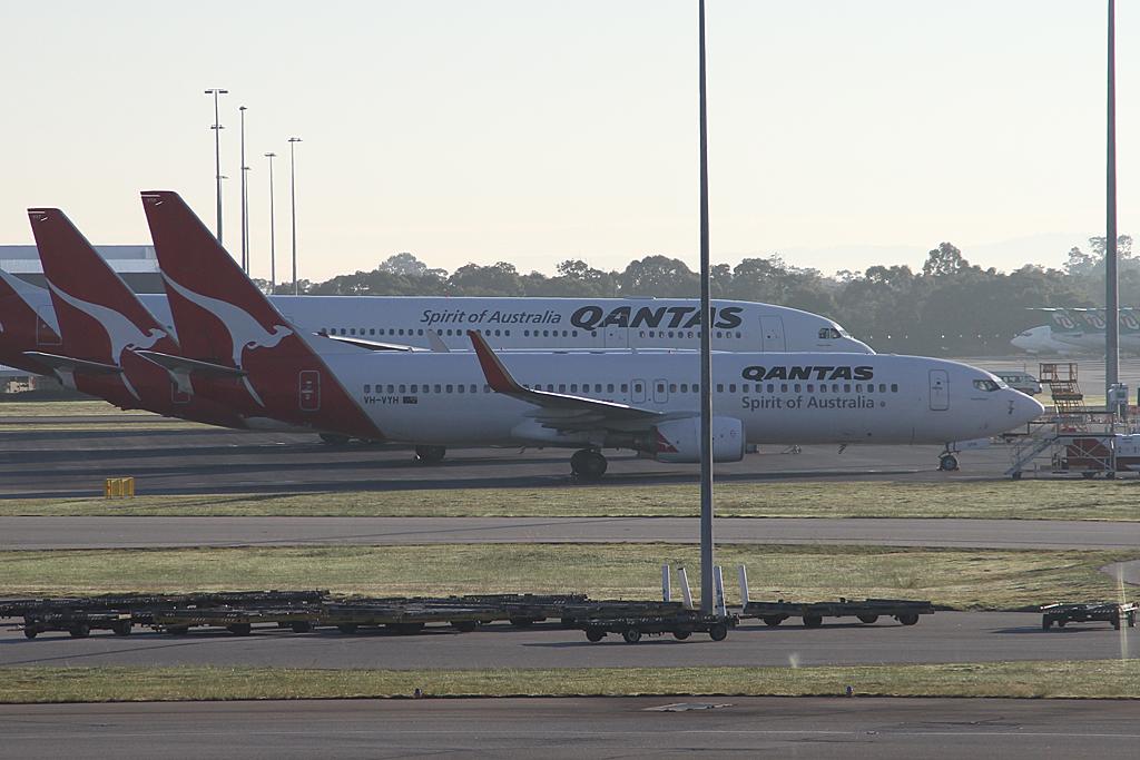 Qantas737-838-VH-VYH