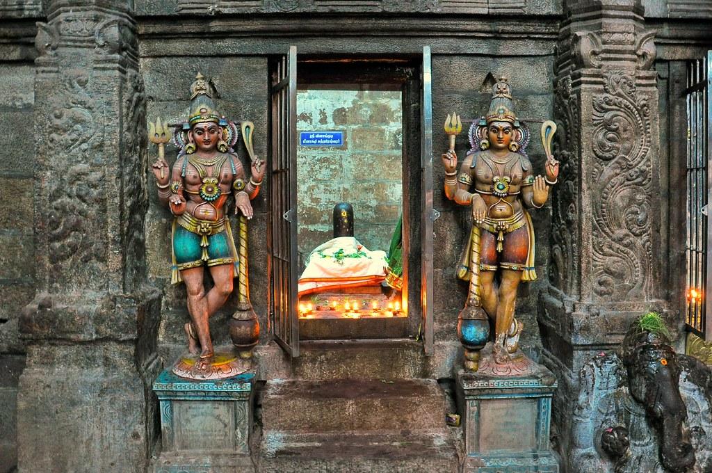 India - Tamil Nadu - Madurai -  Meenakshi Temple - Shiva Statues And Shiva Lingam - 6