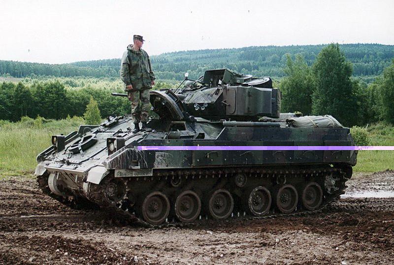 M3A2 Bradley (7)