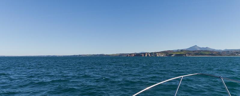https://www.twin-loc.fr La Côte Basque depuis un bâteau de pêche - Pays Basque Euskadi - Picture Image Photo Photography
