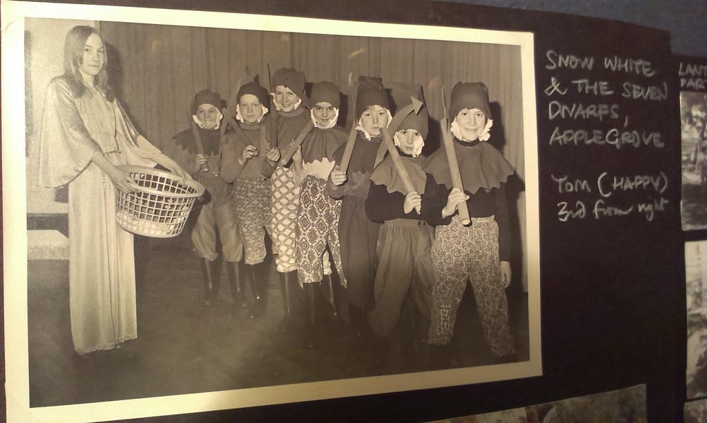 'Snow White & the Seven Dwarves'