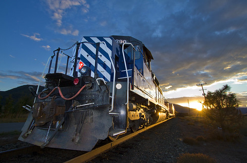 railroad sunset train montana mrl glint worktrain montanaraillink thompsonfallsmontana sdp40 sdp402xr mrl4thsubdivision mrl290 mrlsdp40290 mrlworktrain montanaraillinks4thsubdivision mrlsd402xr woodlinmontana mrlsdp40 mrlsd402xr290