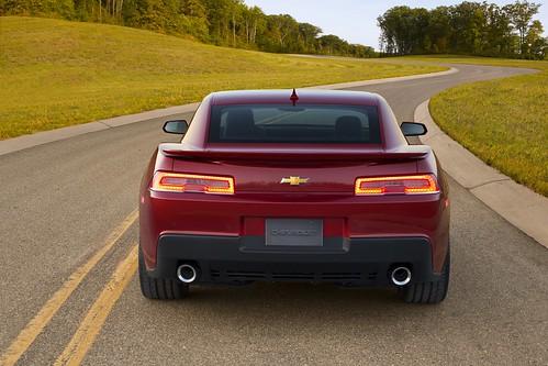 2014-Chevrolet-Camaro-Coupe-2 Photo