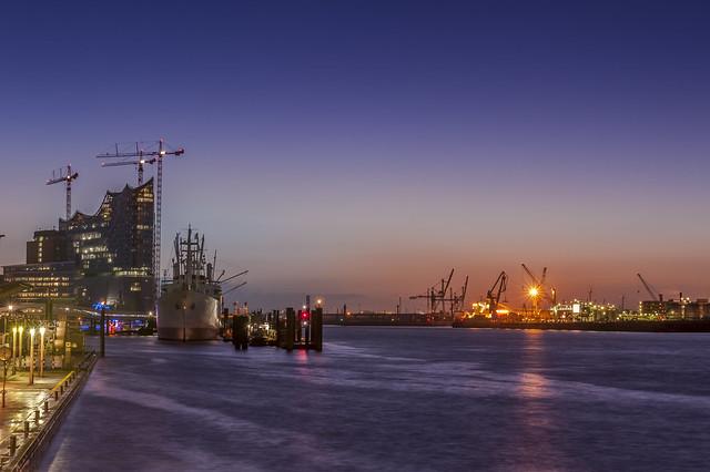 Sunrising Hamburg Harbour