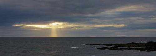 ocean sunrise rocks maine atlantic sunbeam ogunquit marginalway