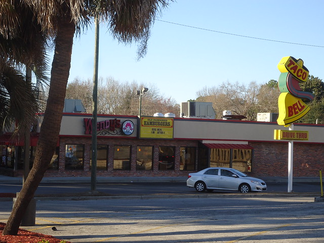 Old Wendy's building and Taco Bell sign