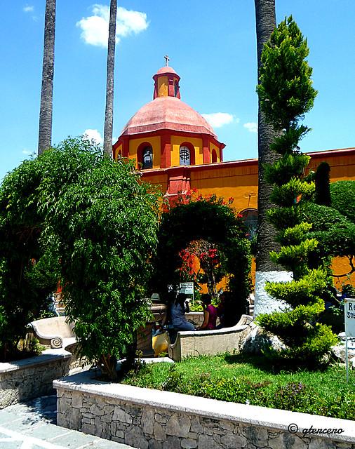Bernal, Querétaro, Plaza Central e Iglesia...P1110610E