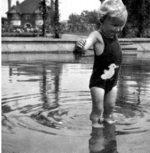 Wyndham Park Grantham Paddling Pool | by pj's memories