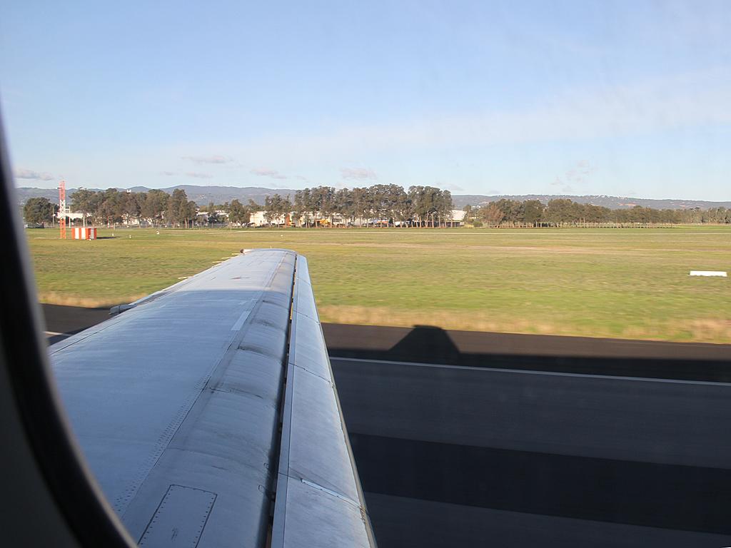 Qantaslink717-23S-VH-NXE-104