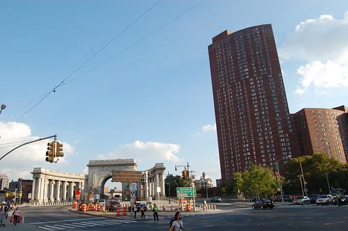 Confucius Plaza and Manhattan Bridge entrance, NYC | by PhotoHenning