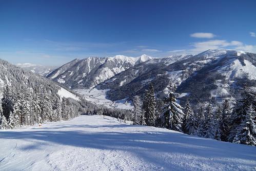 Ski slope | by CipherN