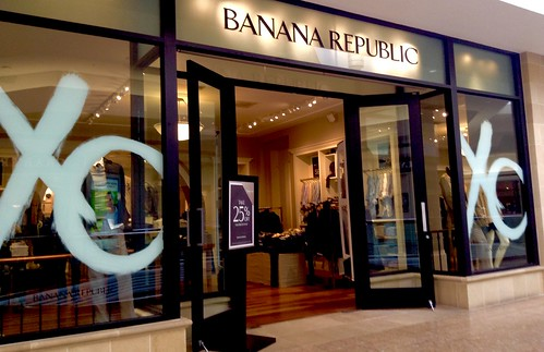 Banana Republic Mall Location, 2/2015, by Mike Mozart of TheToyChannel and JeepersMedia on YouTube #Banana #Republic | by JeepersMedia