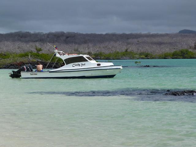 Lancha en Islas Galápagos