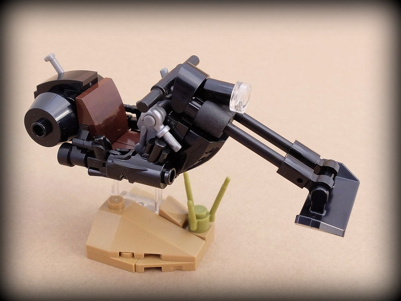 """""""Midnight 2"""" - chopper-style hoverbike"""