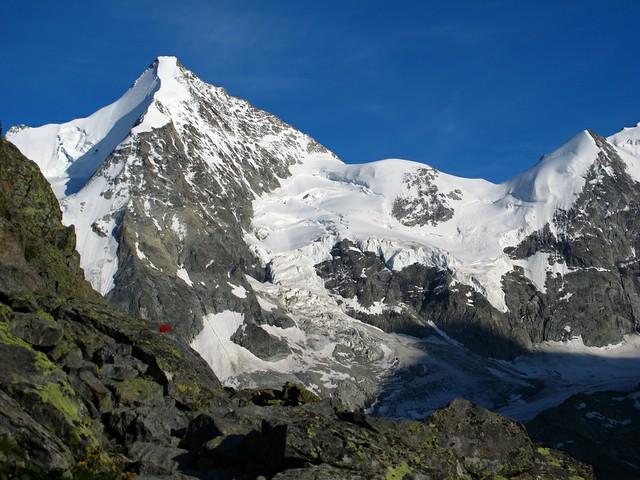 First view of the Obergabelhorn (4063m)!
