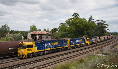 92s into East Maitland | by Henry's Railway Gallery