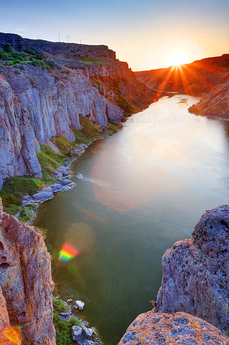 travel sunset water vertical canon river landscape sigma canyon twinfalls lensflare 7d flare snakeriver hdr snakerivercanyon photomatix 1750mm