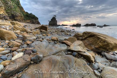 beach japan sunrise sandstone rocks bonsai okinawa kayo