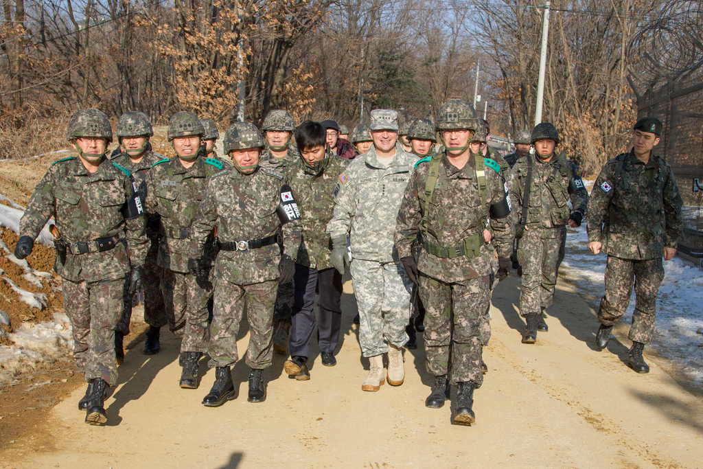 Soldiers of the ROK 25th Infantry Division at Sang-Seung o