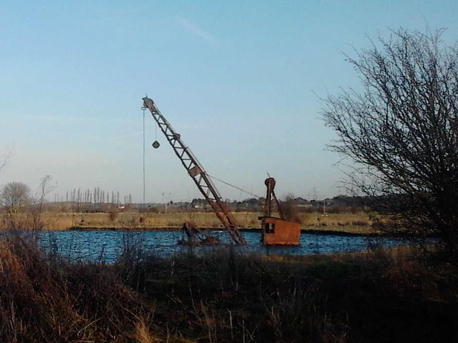 Abandoned crane Higham Circular