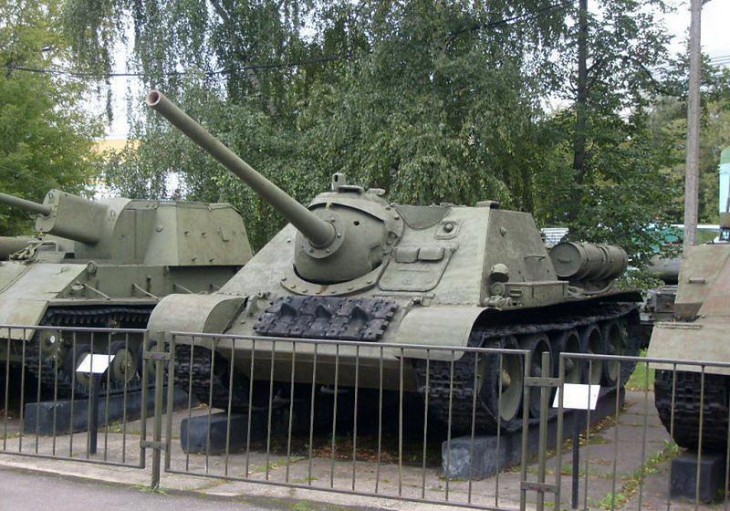 SU-85 (2)