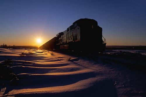 railroad up silhouette train sunrise dawn colorado co unionpacific locomotive ge snowdrifts leyden coaltrain dpu ac4400cw unittrain upmoffattunnelsubdivision