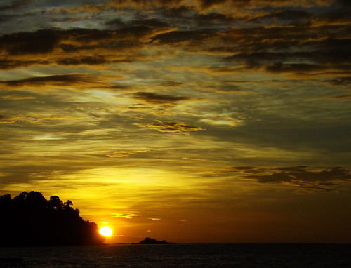 sunset malaysia pangkor island isola puestadelsol giallo mare oceanoindiano andamansea mardelleandamane indianocean sea asia sudestasiatico tropico