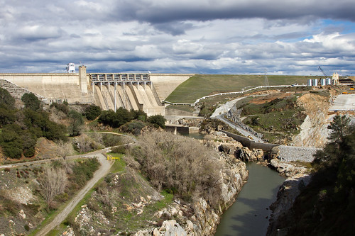 california lake plant water pool truck concrete construction gate mud crane lock dam batch folsom massive spillway