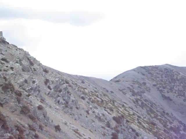 631 Video panorama from a rock outcrop high above the Baldy Bowl