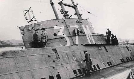 Daños en el submarino HMS-Seal