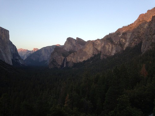 Tunnel View at Sunset - Yosemite