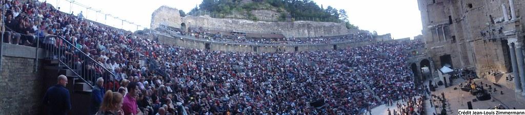 Foule au concert de Chico & The Gypsies