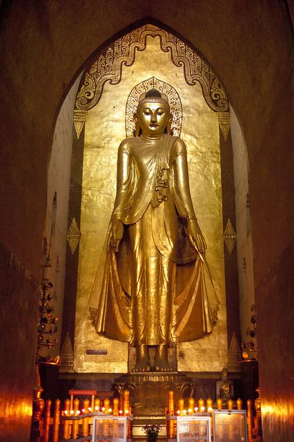 MM083 Eastern Buddha - Ananda Temple - Bagan