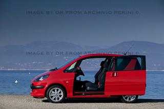 Peugeot-1007-3