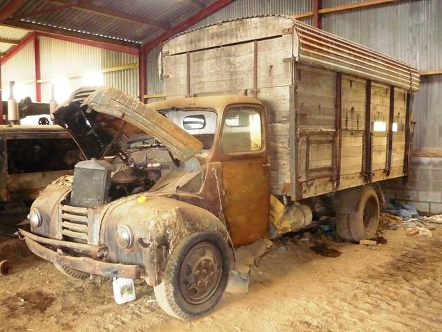 Fordson Thames ET6 barn find in a barn