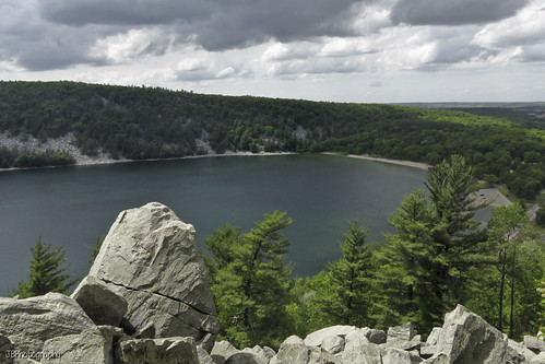 devils lake state park east bluff rocks cliffs wisconsin camping hiking