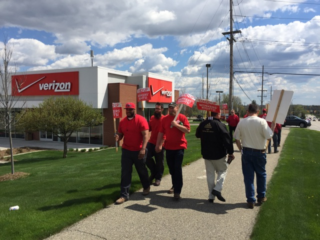 pontiac-store-picket3 (2)