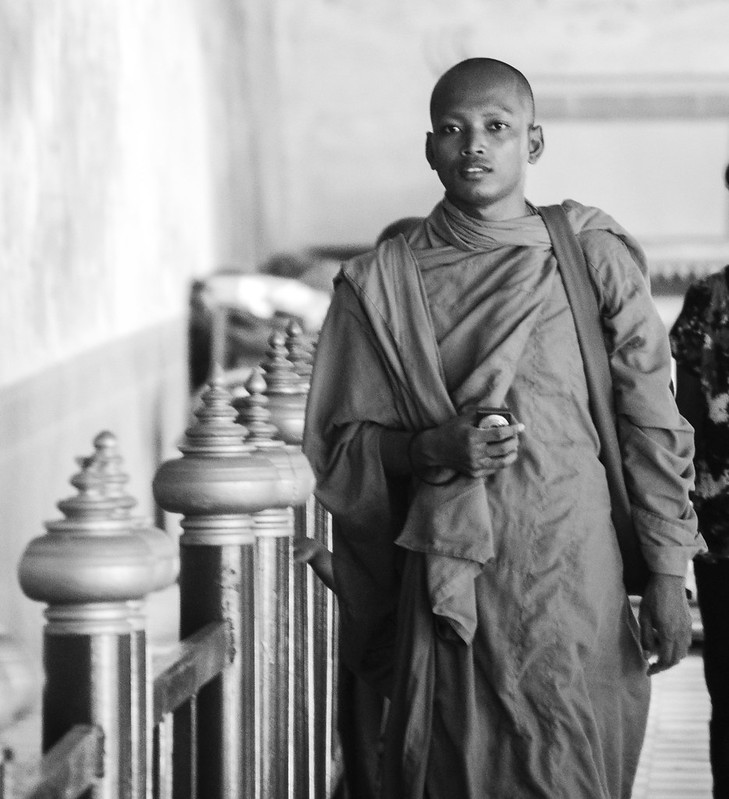 Image of people at Royal Palace, Phnom Penh, Cambodia (10)