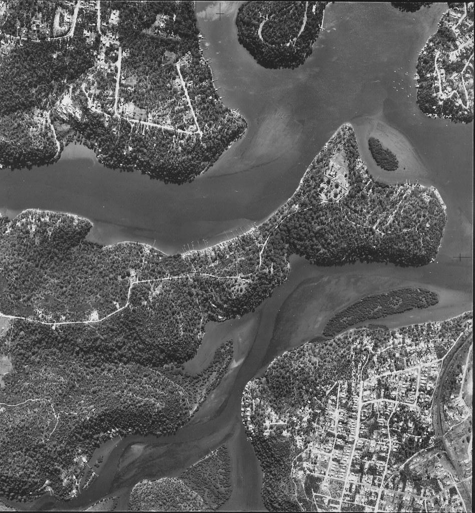 Lugarno, Illawong and Como 1951 - Sydney aerial photo