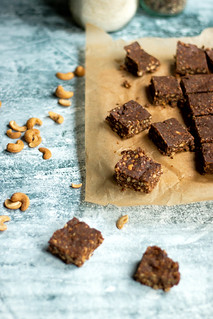 chocolate peanut butter protein bars | by heatherpoire