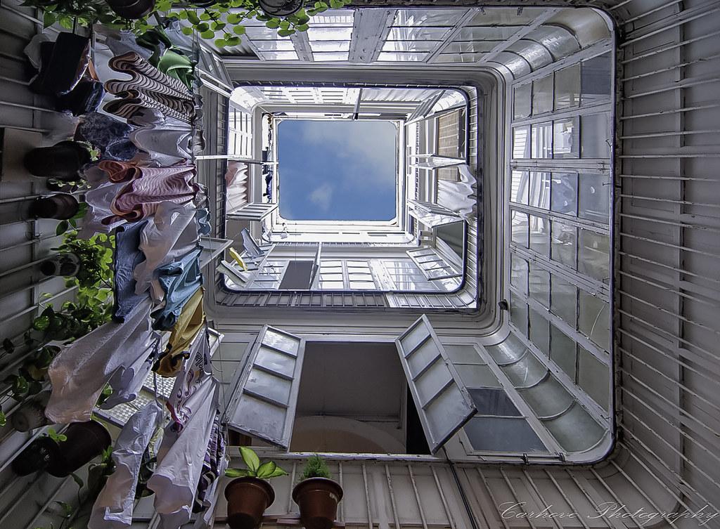 """Resultat d'imatges per a """"patio de vecinos"""""""