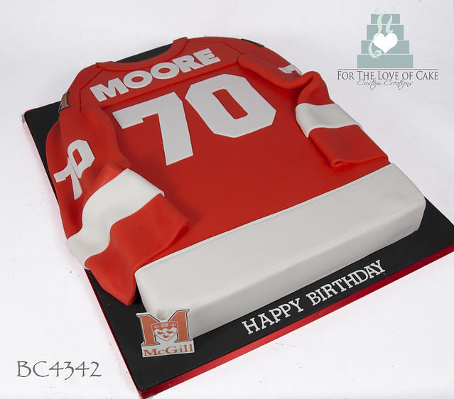 BC4342-mcgill-university-hockey-jersey-cake-toronto