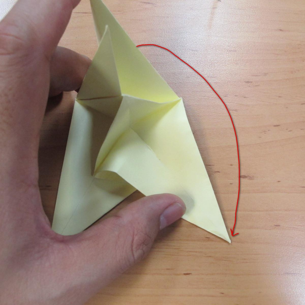 วิธีพับกระดาษเป็นดอกกุหลายแบบเกลียว 022