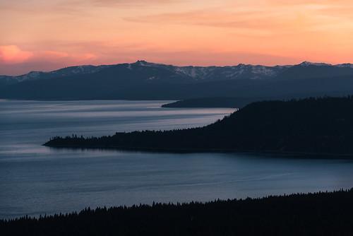 sunset lake landscape golden nevada tahoe hour 70200 laketahoebaytelephotod750nikkor f4mountainsviewvistanevadasierra