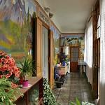 Der vielleicht letzte Billeder Gang mit Wandmalereien, wie sie vor über 70 Jahren an Bauernhäusern üblich waren. (Krogloth, Hauptgasse; heute Andrasch I.)